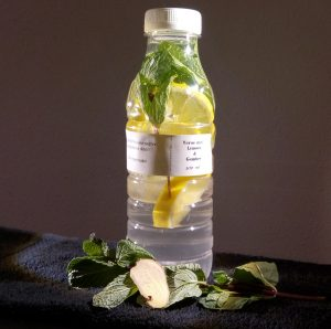 vers fruit water