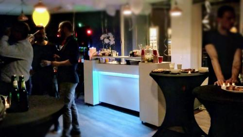 cocktailbar bij advocaten kantoor stroobach
