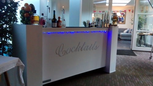 cocktails & gin tonic bar in huizen op 06-10-2018